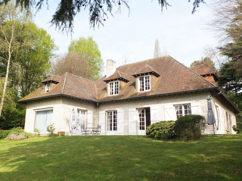 Biens vendre recherche plus clair immobilier for Belle maison traditionnelle
